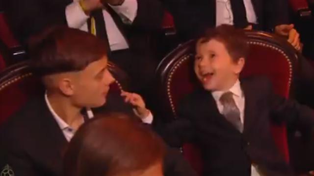 🤣 La genial reacción de Mateo Messi, ¡a cabezazos con el asiento! Y otras curiosidades de la gala