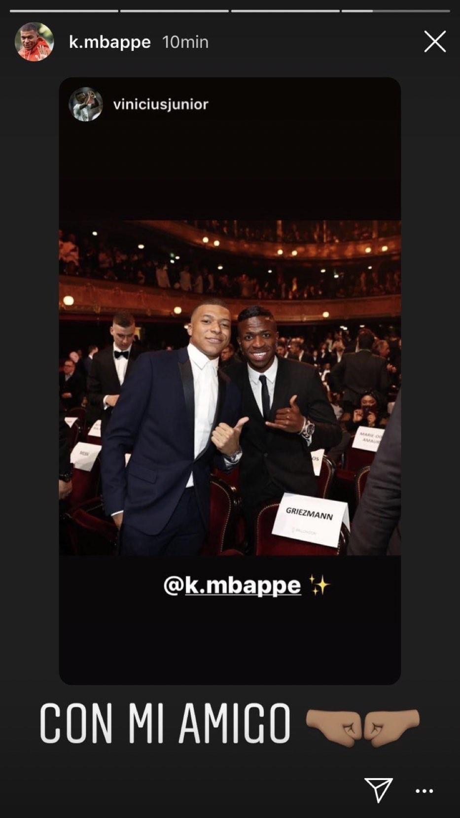 Vinicius con Mbappé en la gala del Balón de Oro