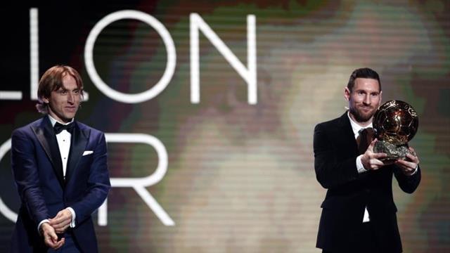 Messi deshace el empate con Cristiano Ronaldo y gana su sexto Balón de Oro