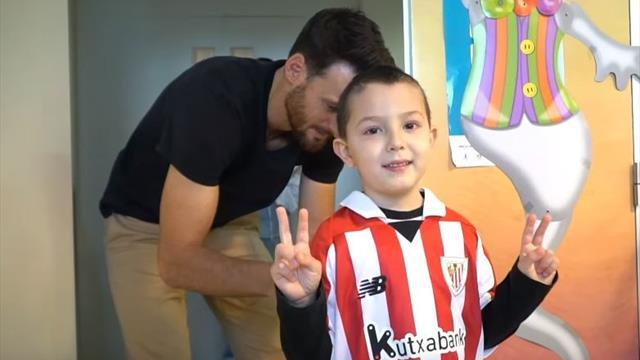 La preciosa iniciativa del Athletic para los niños hospitalizados, batas hechas con las camisetas