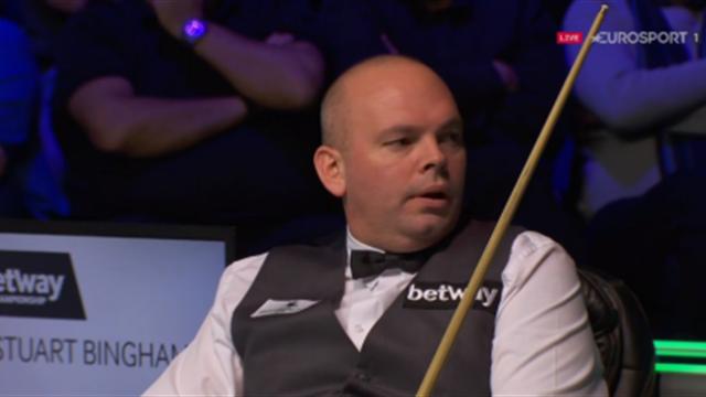 Bingham rages after mobile goes off during Higgins match