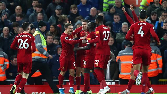 Liverpool inarrestabile in cima alla Premier: 5-2 all'Everton e 14 vittorie su 15 partite