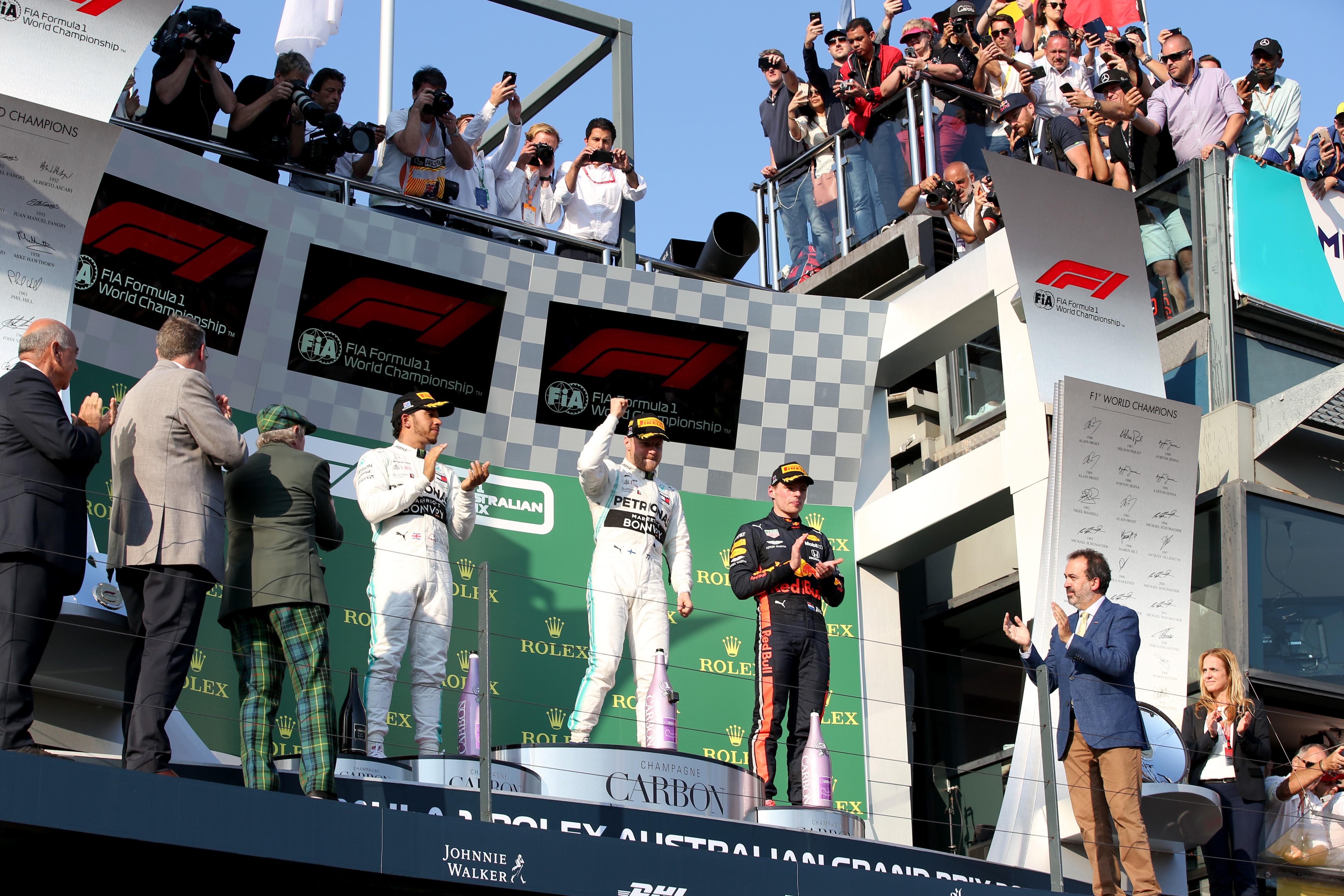 Hamilton et Rossi ensemble sur la piste — Auto-moto