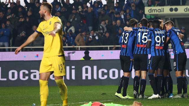 Due palloni in campo, il Verona segna: ira Atalanta