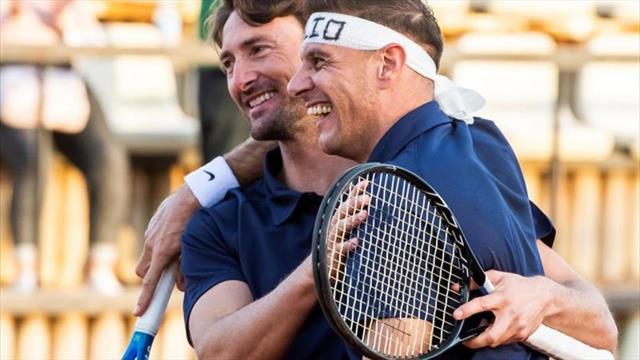 El show de Joaquín jugando al tenis: Con Ferrero de pareja... y una cinta de Hulio