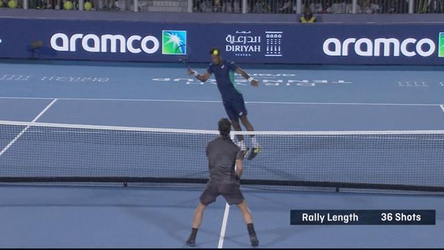 Diriyah Tennis Cup: Monfils y Fognini se lo pasan en grande en la red... ¡hasta con la cabeza!