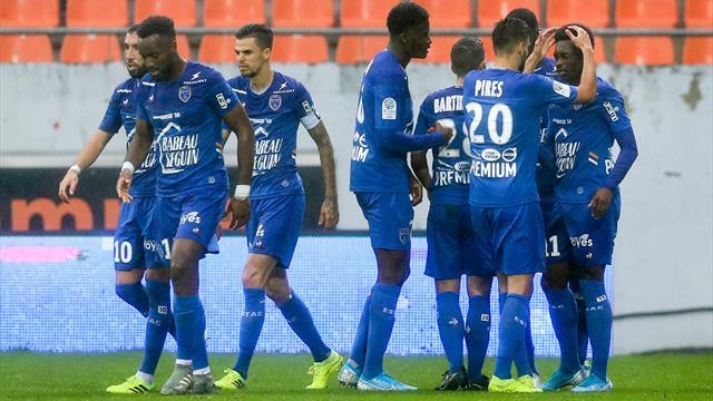 Ajaccio battu par Auxerre, Troyes et Clermont en profitent