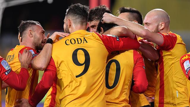 Il Benevento di Inzaghi continua a volare: 1-0 al Frosinone di Nesta