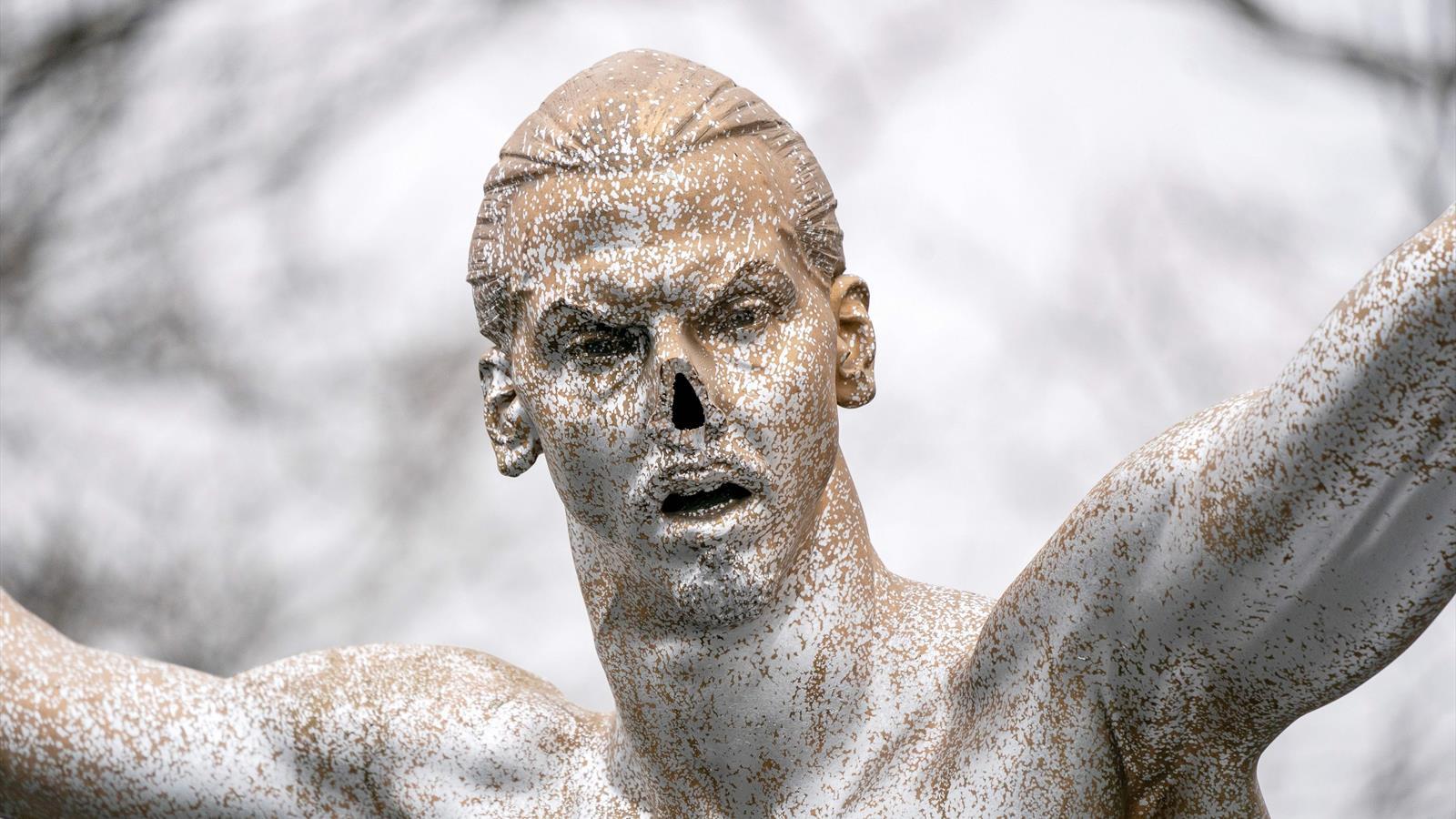 Статуя Златана Ибрагимовича