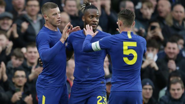 Chelsea avance d'un tour sans trembler, Tottenham devra rejouer