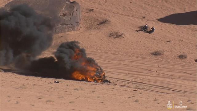 Dakar Rally 2020: Vladimir Vasilyev's car in flames