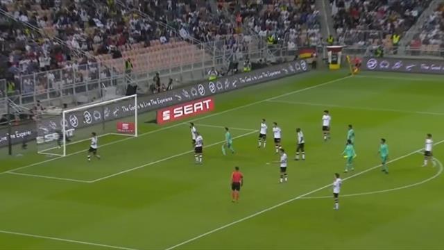 """Kroos con il """"gol olimpico"""": segna direttamente da calcio d'angolo e manda in vantaggio il Real"""
