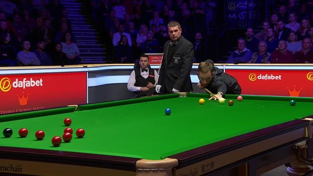'Out in style!' – Carter escapes snooker with lucky pot