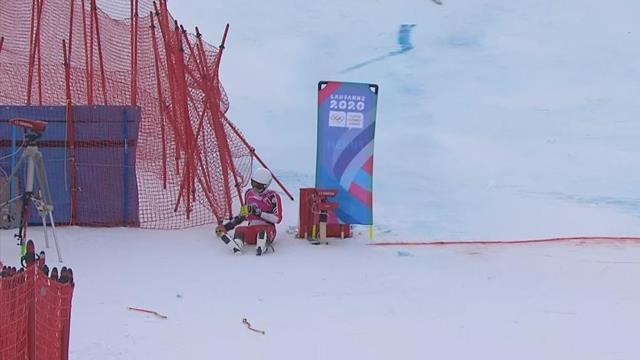 Juegos Olímpicos de la Juventud, esquí alpino: Latulippe se va al suelo y destroza una valla