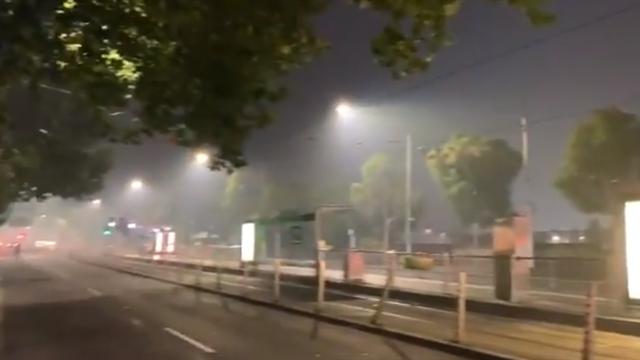 Los incendios hacen que Melbourne se llene de humo a una semana del Open de Australia