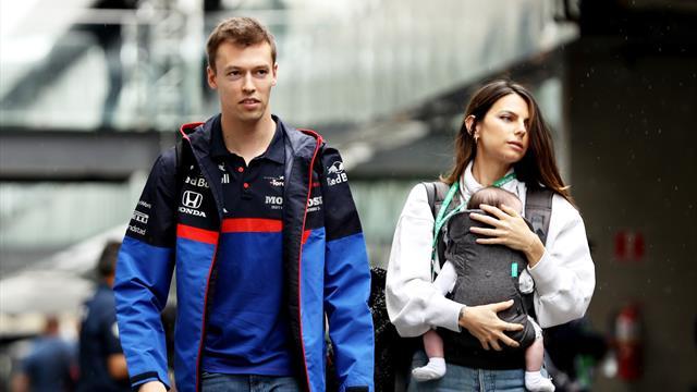 Девушка Квята удалила все фотографии с русским пилотом «Формулы-1» – похоже, пара рассталась