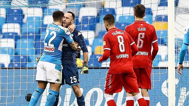 Le pagelle di Napoli-Perugia 2-0: Ospina si riscatta, Lozano scatenato. Llorente? Non pervenuto