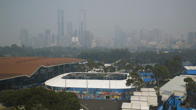 Bushfire smoke continues to disrupt Australian Open qualifying