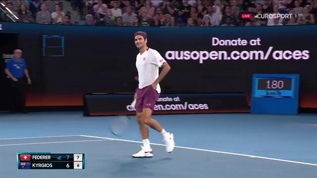 Il match point di Federer all'AO Rally For Relief, applausi per lui e per Kyrgios