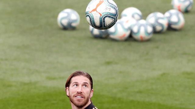 Ramos empieza a correr sobre el césped