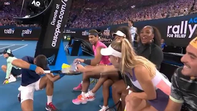 Exhibition - Tweener de Wozniacki, Djoko le clown, huit sur le court : les stars du tennis unies