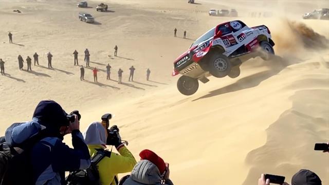 Fernando Alonso flips car on dunes, forces windscreen removal