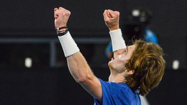 Рублев обыграл Харриса в Аделаиде и выиграл второй турнир подряд
