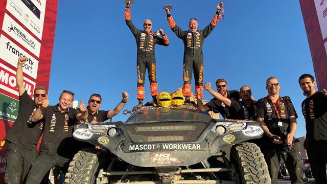 Le pilote WTCR Tom Coronel et son frère Tim signent leur meilleur résultat sur le Dakar