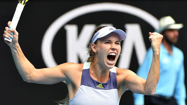 Emotional Wozniacki keeps final tournament alive