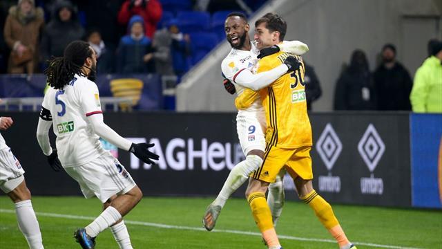 Tătărușanu a fost eroul lui Olympique Lyon! A calificat echipa în finala Cupei Ligii Franței