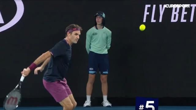 Укороченный Федерера и чудесное спасение Джоковича. Топ-5 ударов дня