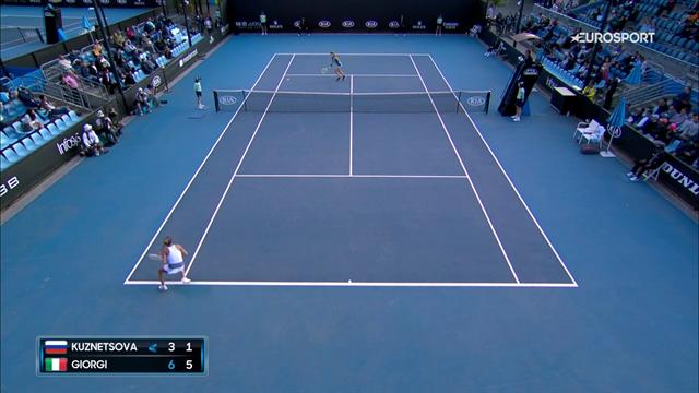 Che passante di Camila Giorgi, è il punto più bello del match contro la Kuznetsova