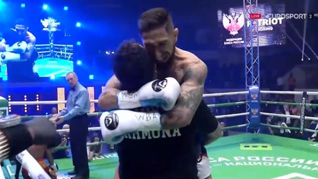 Boxeo, Carmona-Jiménez: El español se corona en 90 segundos por KO