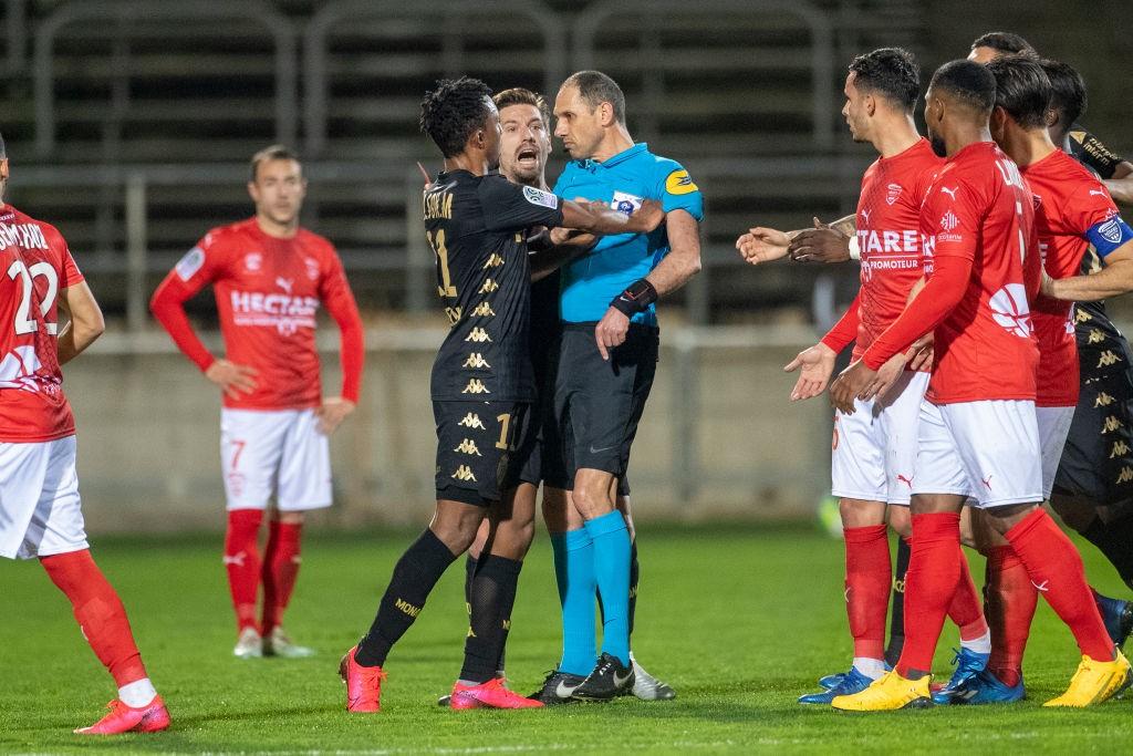Gelson Martins expulsé lors de Nîmes-Monaco
