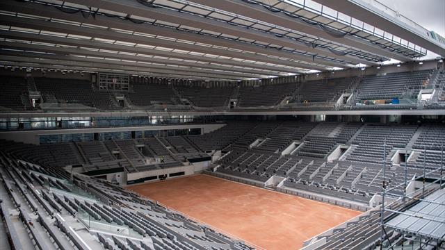 Überpünktlich: Centre Court in Roland-Garros hat nun ein Dach