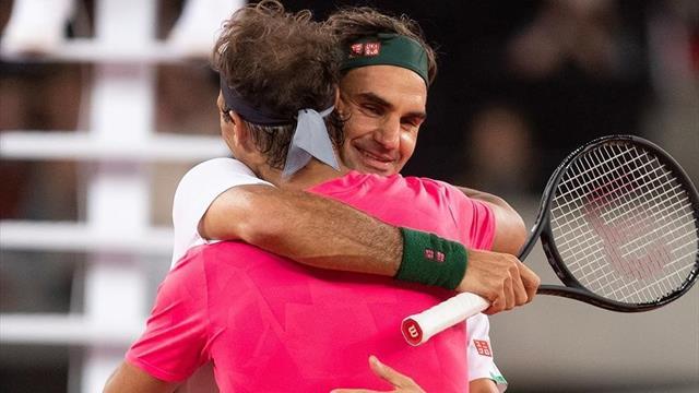 Del puntazo al abrazo: la mágica dejada de Federer para cerrar el partido