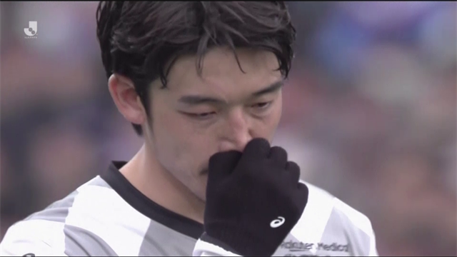 Remarkable scenes as NINE straight penalty kicks missed in J League Super Cup final