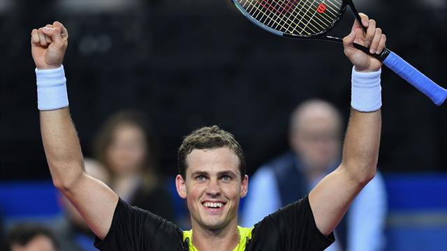 Made in Canada! Pospisil drinks maple syrup during Montpellier final