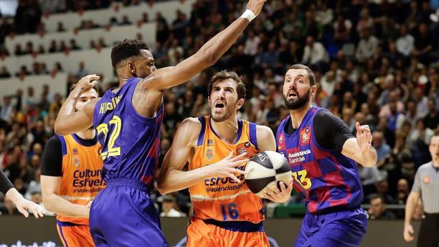 Tras cuatro derrotas, el Valencia ganó a la quinta al Barça para ir a semis ante el Madrid