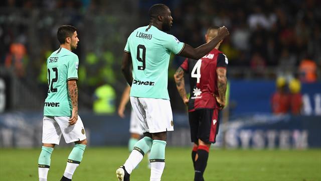 Pugno duro del Cagliari: interdizione a vita dalla Sardegna Arena per tre tifosi per buu razzisti