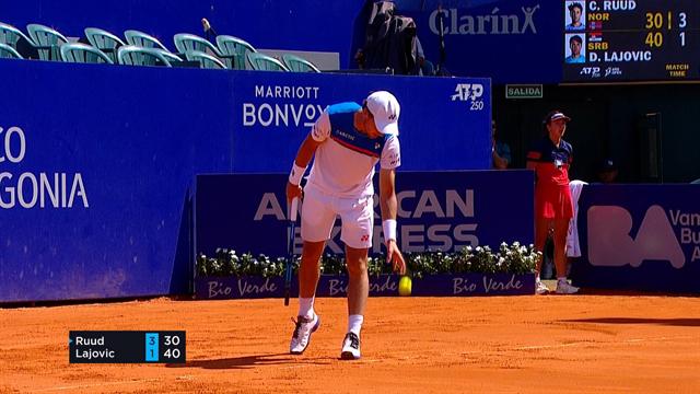 Se høydepunktene fra Ruuds sterke seier i kvartfinalen
