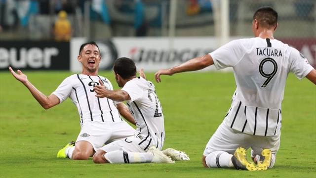 El Libertad remonta ante el Luqueño y sigue como líder del fútbol en Paraguay