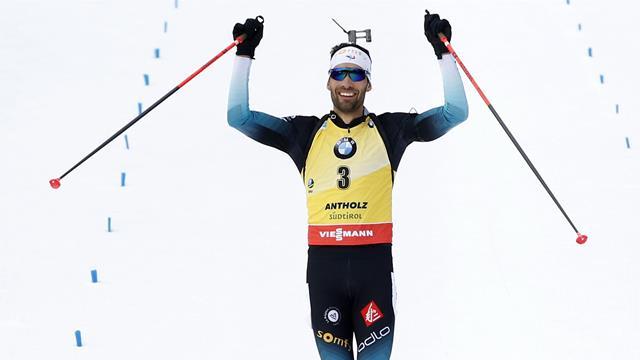 """""""Idole"""", """"chapeau"""", """"il a révolutionné le biathlon français"""" : le sport salue Fourcade"""