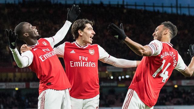 Arsenal entretient son rêve européen