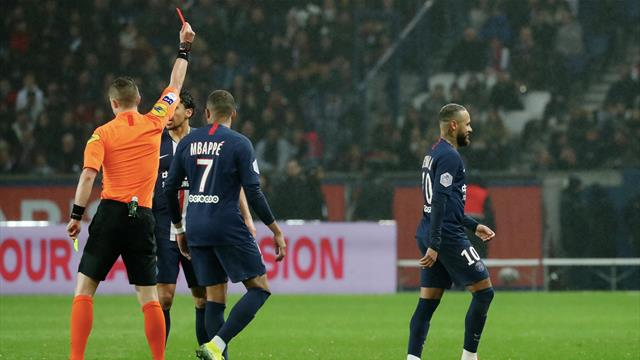 Gelb-Rot in der Nachspielzeit! Neymar fliegt bei Sieben-Tore-Spektakel