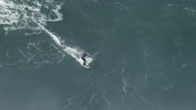 Olympic Channel: El arte de surfear las olas más monstruosas del mundo en Nazaré