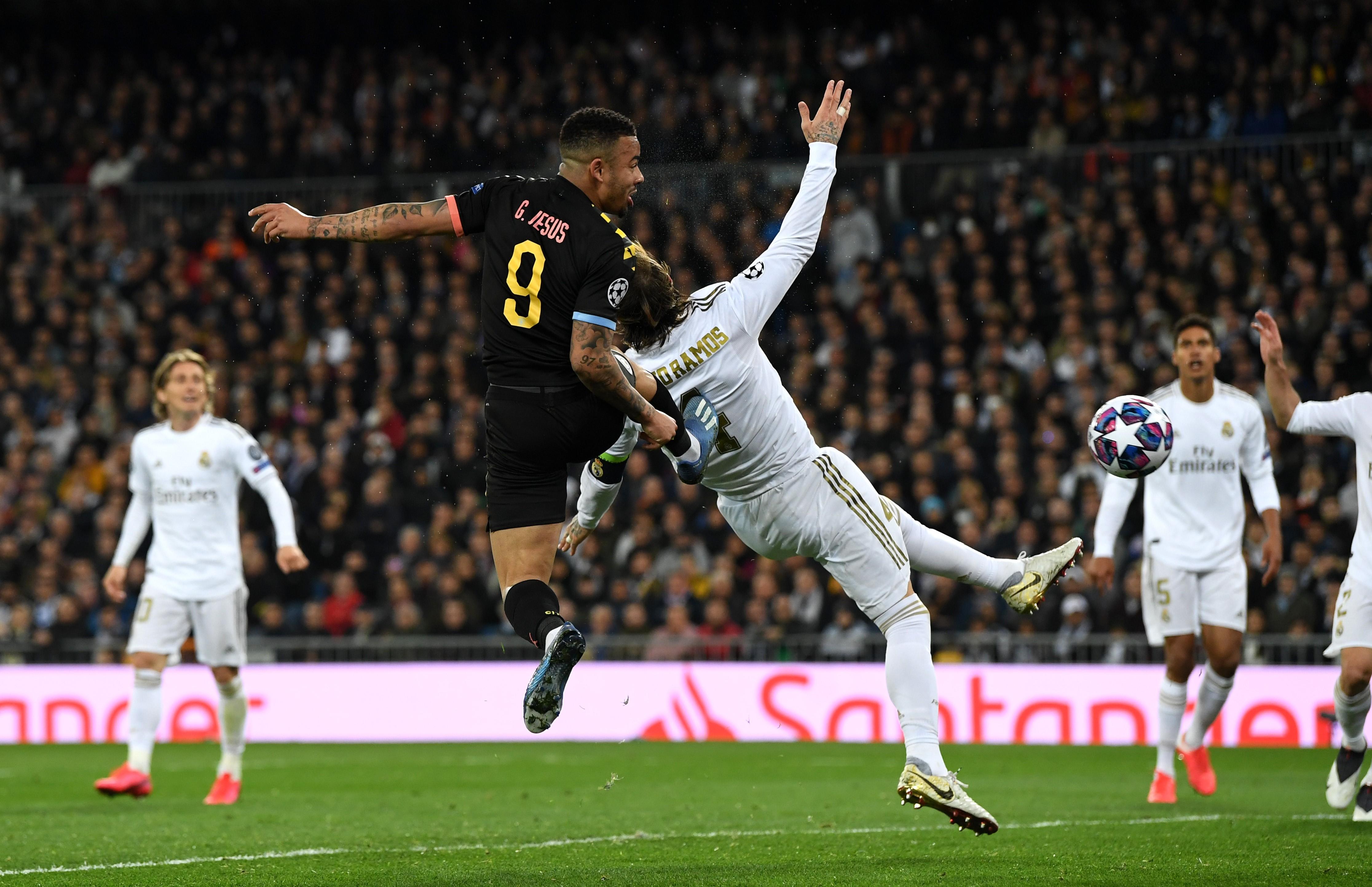 Gabriel Jesus marque pour Manchester City contre le Real Madrid en Ligue des champions le 26 février 2020