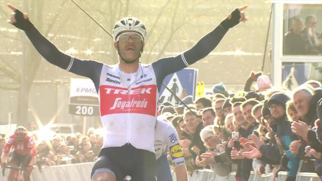 Omloop Het Nieuwsblad  Jasper Stuyven de sterkste