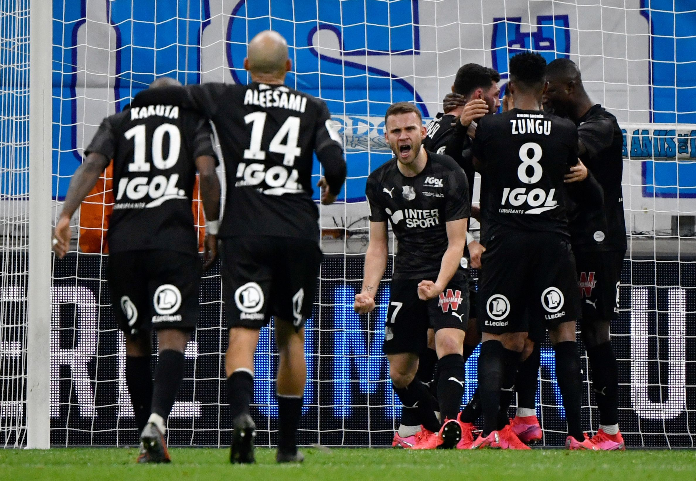Les joueurs d'Amiens célèbrent un but lors de la rencontre OM-Amiens / Ligue 1