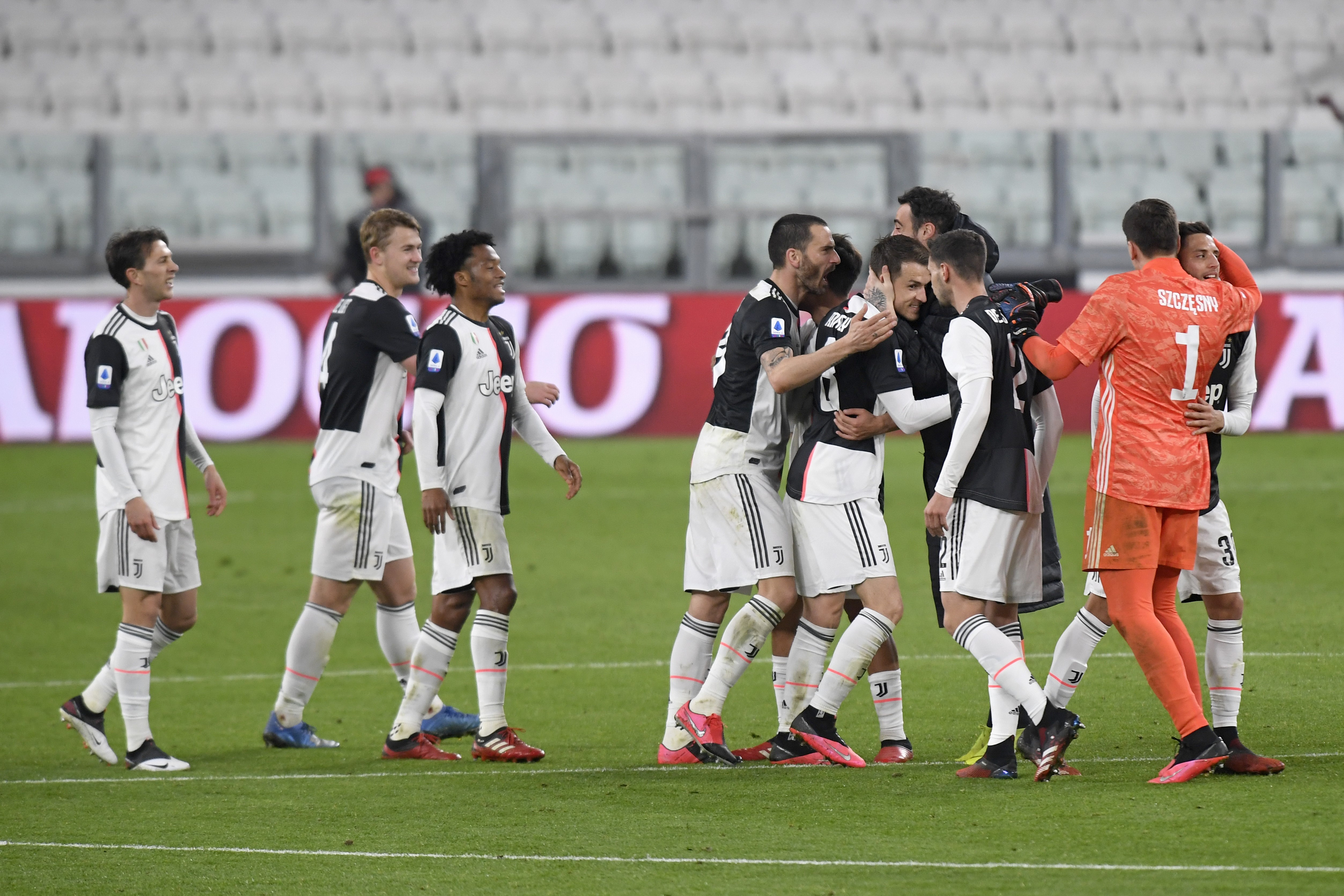Juventus players celebrate after winning the Serie A match between Juventus and FC Internazionale at Allianz Stadium played behind closed doors after rules to limit the spread of Covid-19 have been put in place on March 8, 2020 in Turin, Italy.